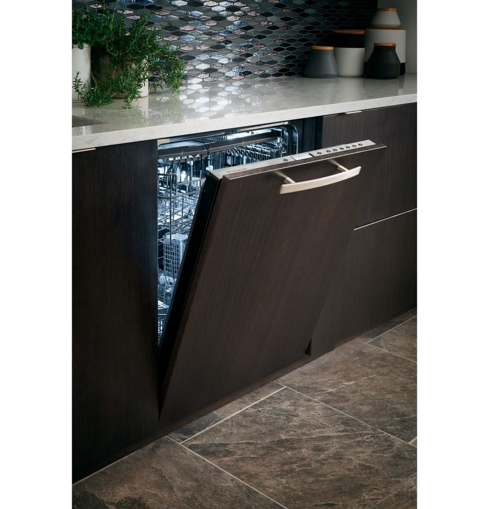 GE Monogram Integrated Dishwasher
